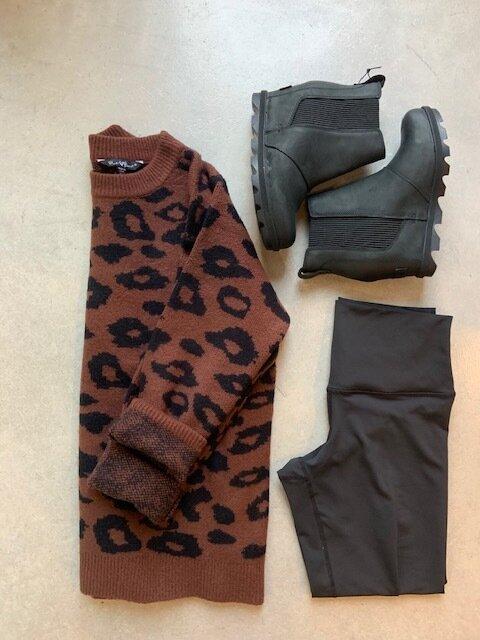 Leopard print sweater, black leggings & Sorel wedges