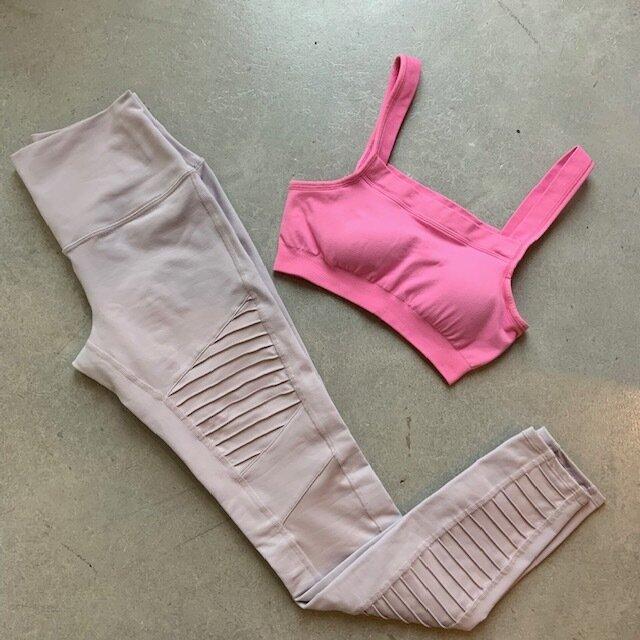 Alo moto leggings and pretty pink bra