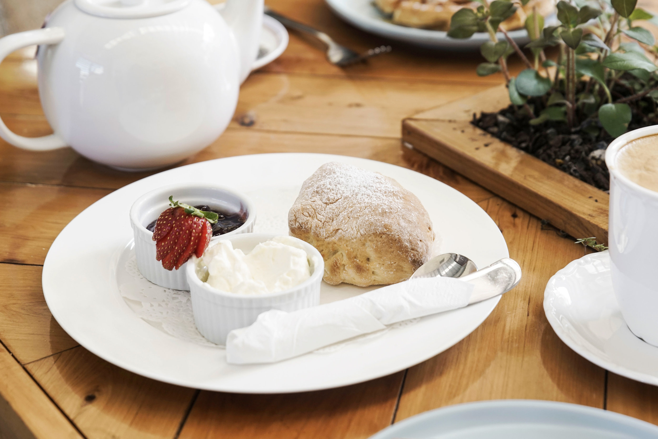 Lagoon-Creek-Cafe-and-Function-Room-catering-scones.jpg
