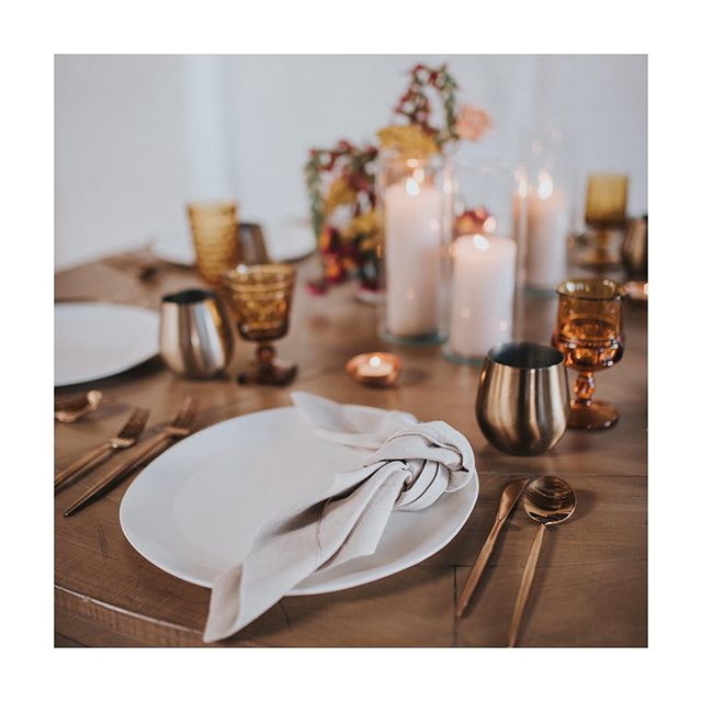 Sending a little beauty to your insta feed on this Monday! We love this simple but oh-so-beautiful design by @yonder_house from @lovewellplanned! . . Tabletop design | @yonder_house  Photographer | @jillhouserphotography . . . . . #lovewellplanned #tabletopdecor #weddingplanner #eventplanner #eventplanning #weddingplanning #eventdesign #weddingdesign #coloradowedding #weddingideas #bridetobe #bride #weddingdesigner #luxurywedding #destinationwedding #wedding #eventdesigner #weddinginspiration #coloradoweddingplanner #destinationweddingplanner #destinationweddings #events #floraldesign