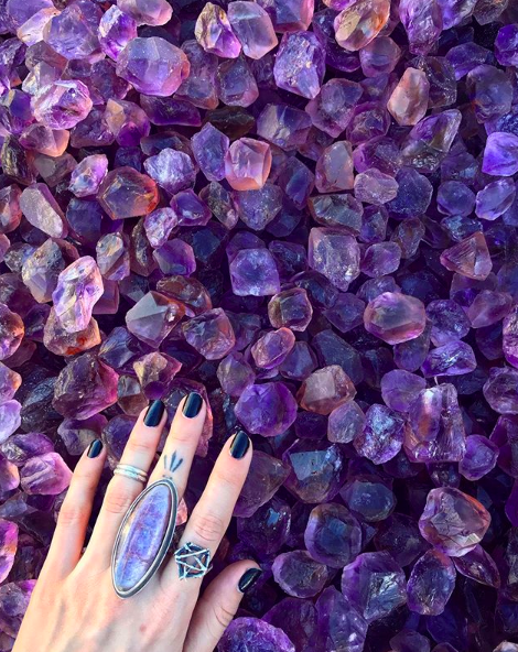 Amethyst - Known for its calming energy, amethysts are great for relieving anxieties and minimizing stress. It also works well with your third eye in order to assist with identifying solutions by tapping into your inner knowing.