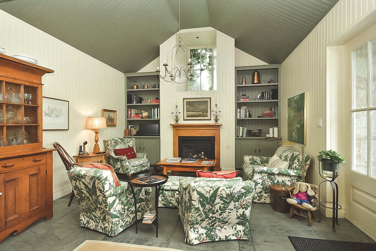 former kitchen sitting room.JPG