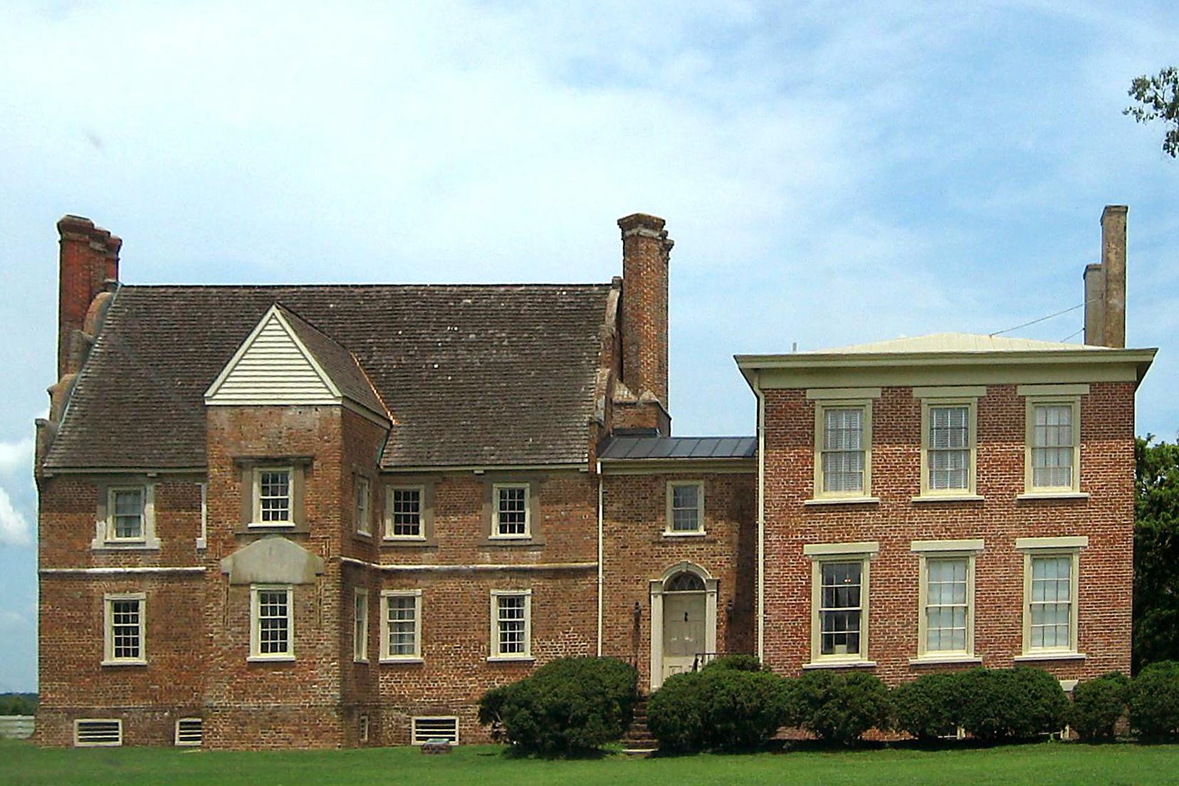Bacon's Castle, image courtesy of Wikipedia.