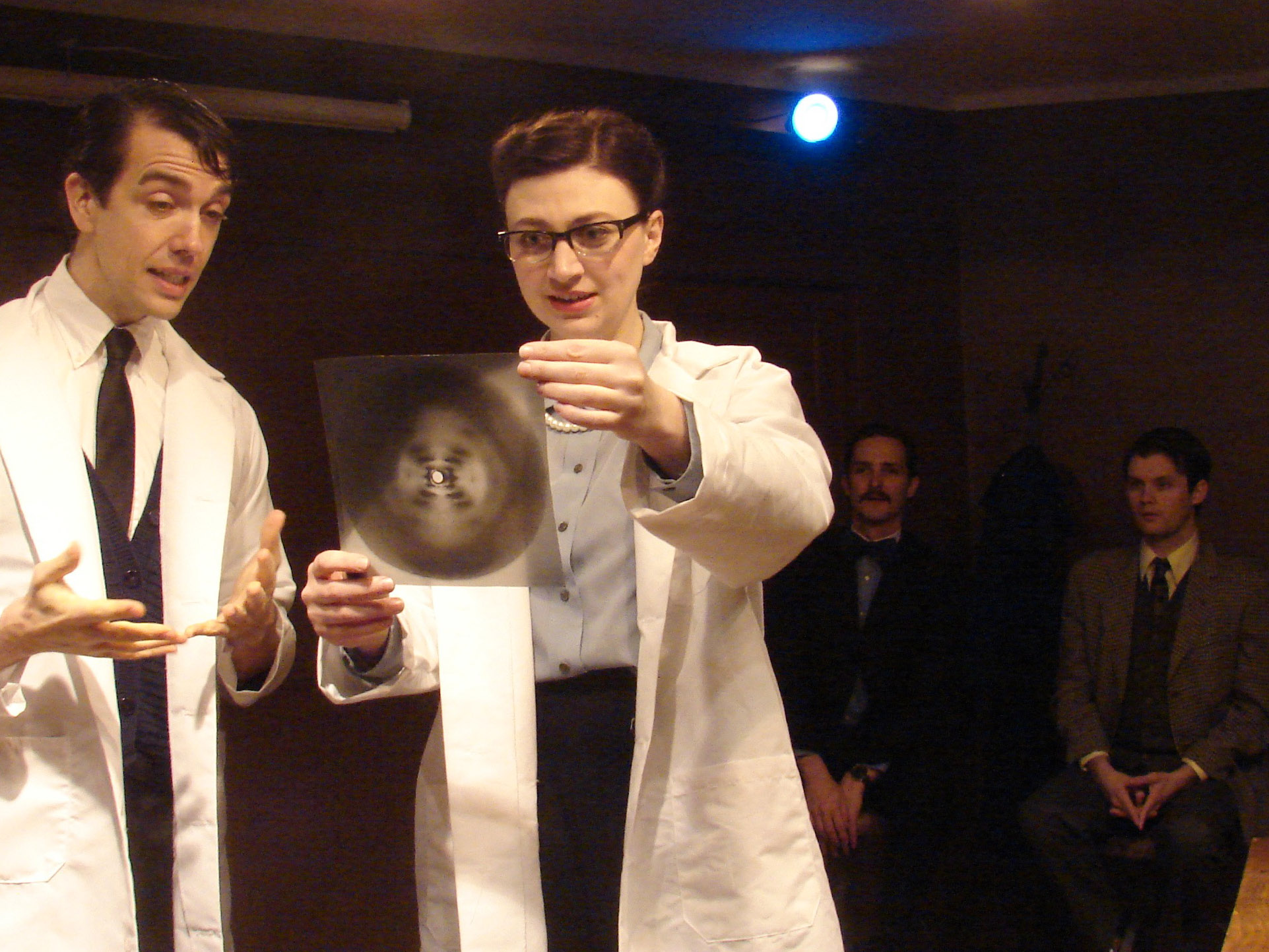 Don Baiocchi as Raymond Gosling, Lindsey Dorcus as Rosalind Franklin