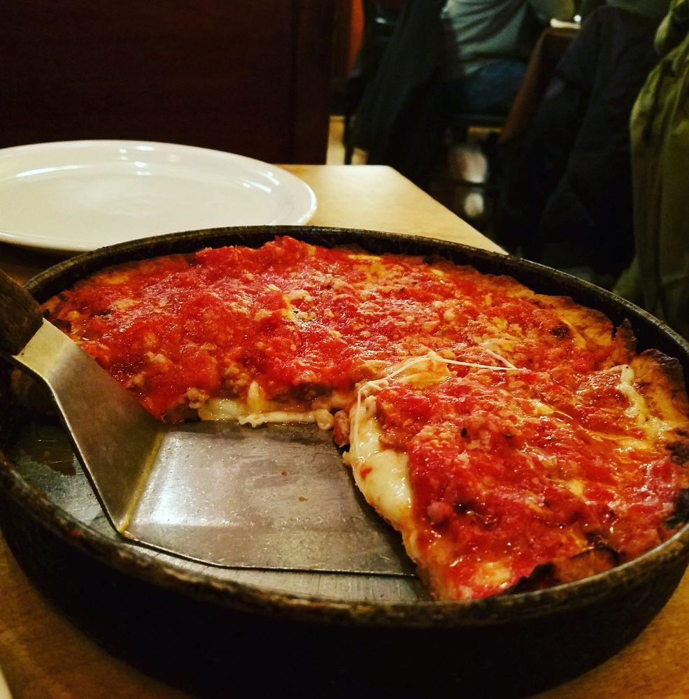 Lou Malnati's Pizzeria Chicago, IL