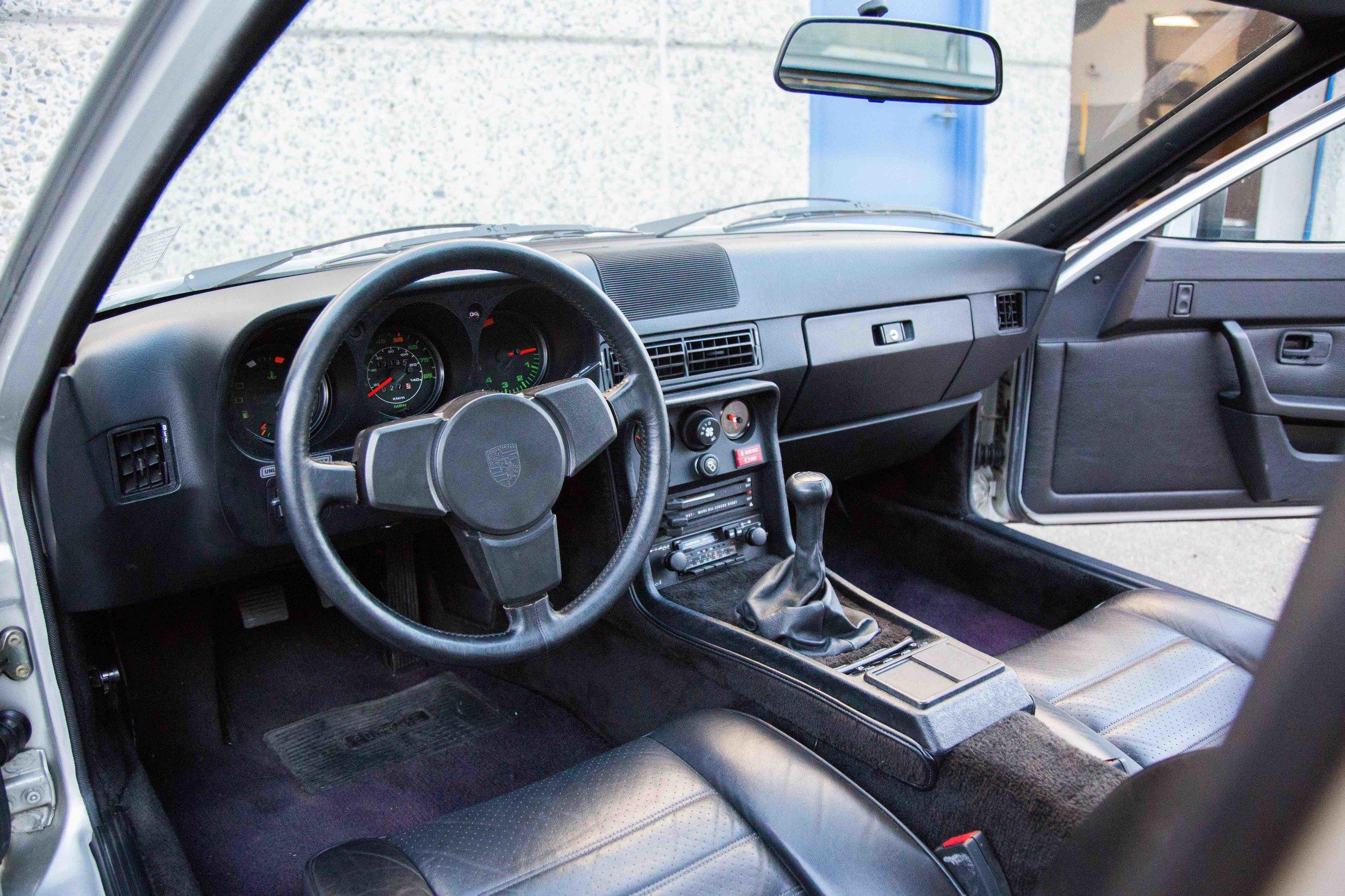 1980-924-Turbo-interior-view-makellos-classics.jpeg