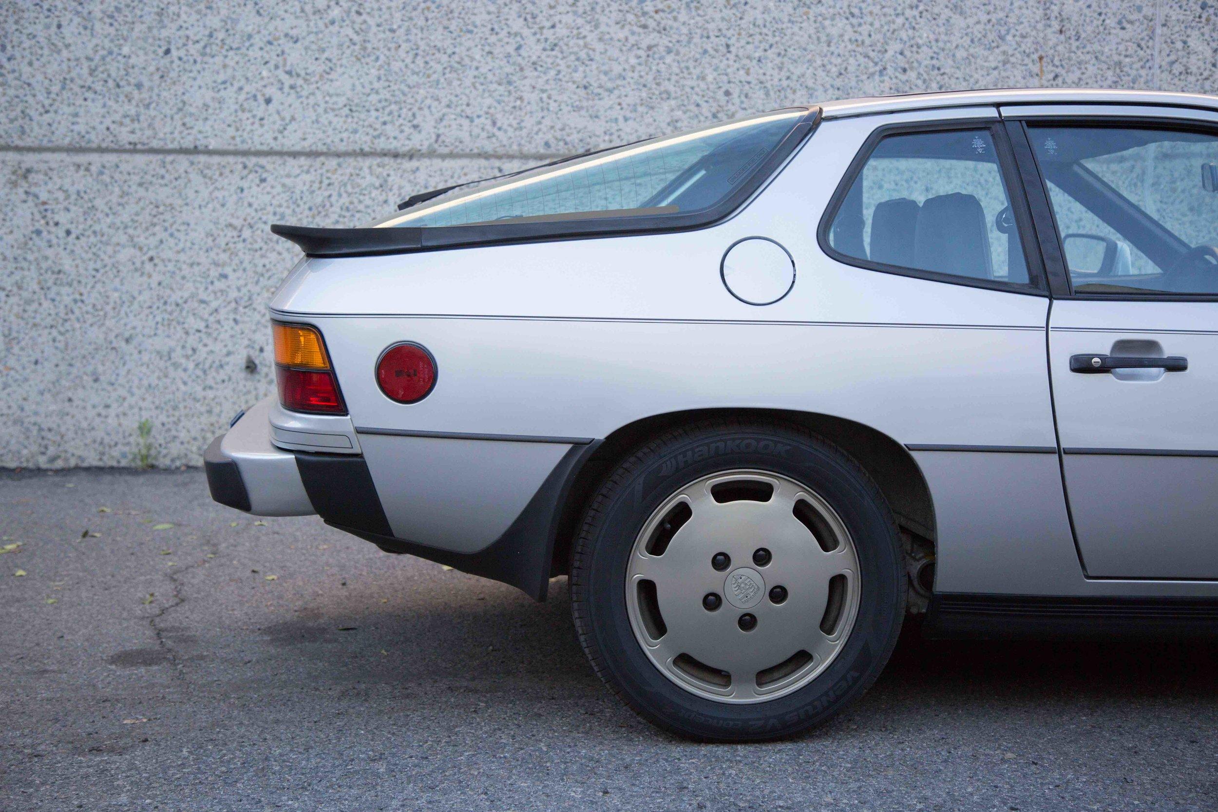 1980-924-Turbo-passenger-exterior-view-makellos-classics.jpeg