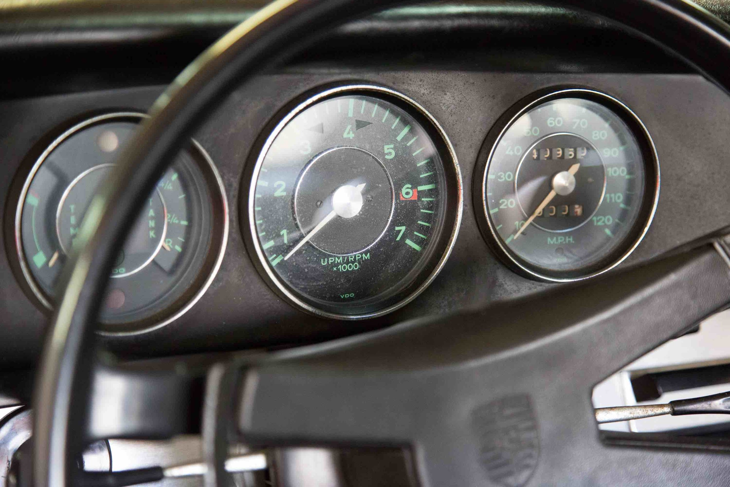 1966-porsche-912-slate-grey-makellos-classics-speedometer-dashboard.jpeg
