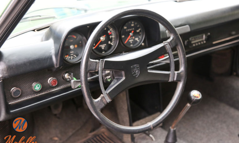 1970-porsche-914-6-green-makellos-classics-steering-wheel-radio-dashboard-speedometer-electronics.jpg