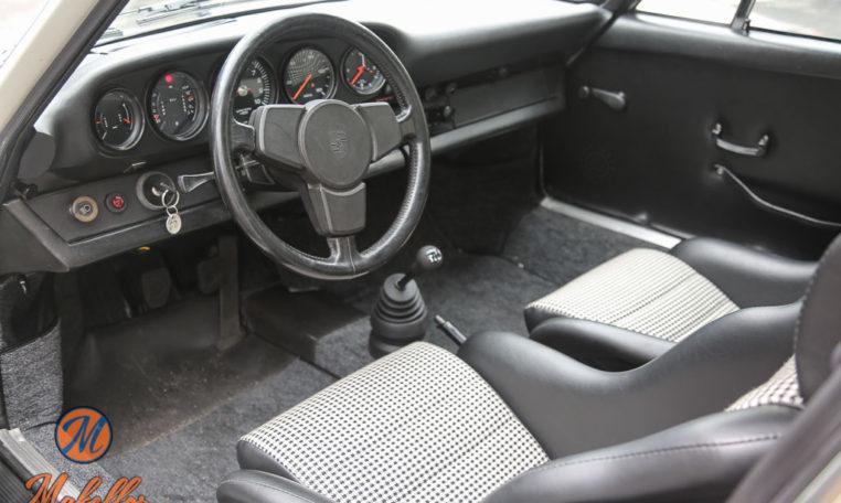 1973-porsche-rs-hot-rod-makellos-classics-interior-steering-wheel.jpg
