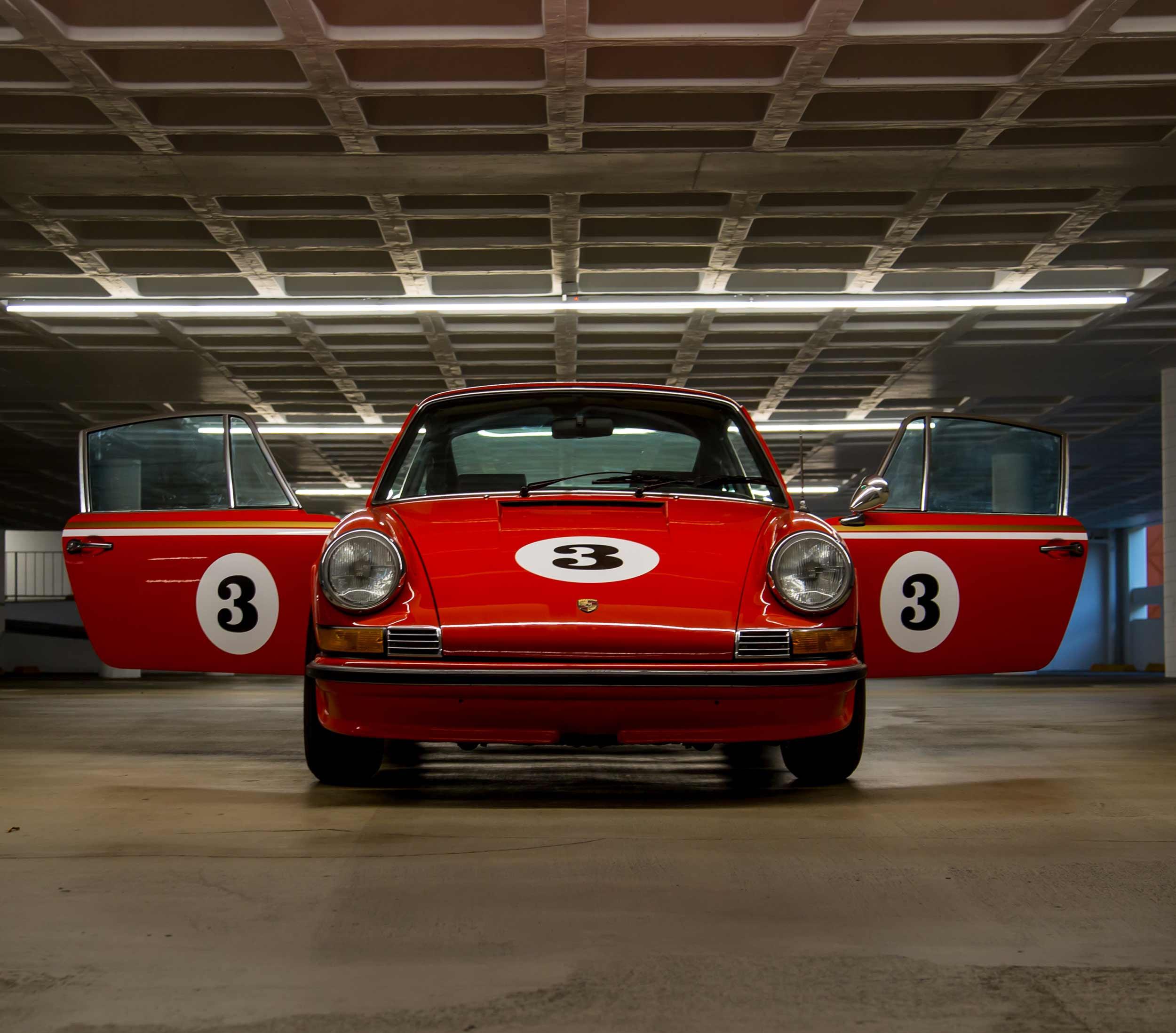 Makellos-Classics-1970-911T-Exclusive-Build-Custom-Porsche-Orange-Three-Ball-Doors-Open-Banner.jpg