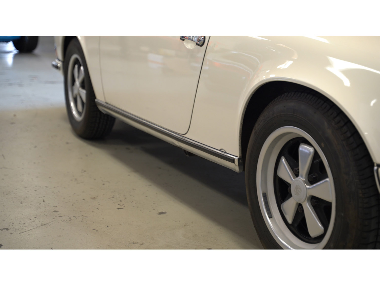 1973-classic-porsche-911t-sportomatic-original-makellos-classics_0004_tangerine154.MP4.01_51_07_11.Still001.jpg