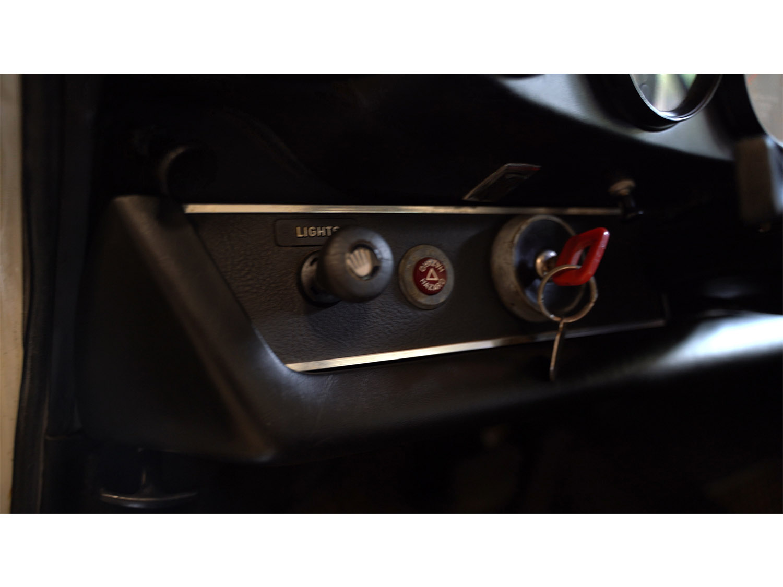1973-classic-porsche-911t-sportomatic-original-makellos-classics_0019_Episode 4.00_06_08_16497.Still004.jpg