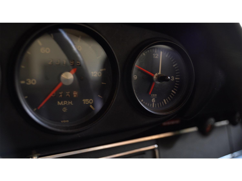 1973-classic-porsche-911t-sportomatic-original-makellos-classics_0020_Episode 4.00_05_55_45656.Still002.jpg