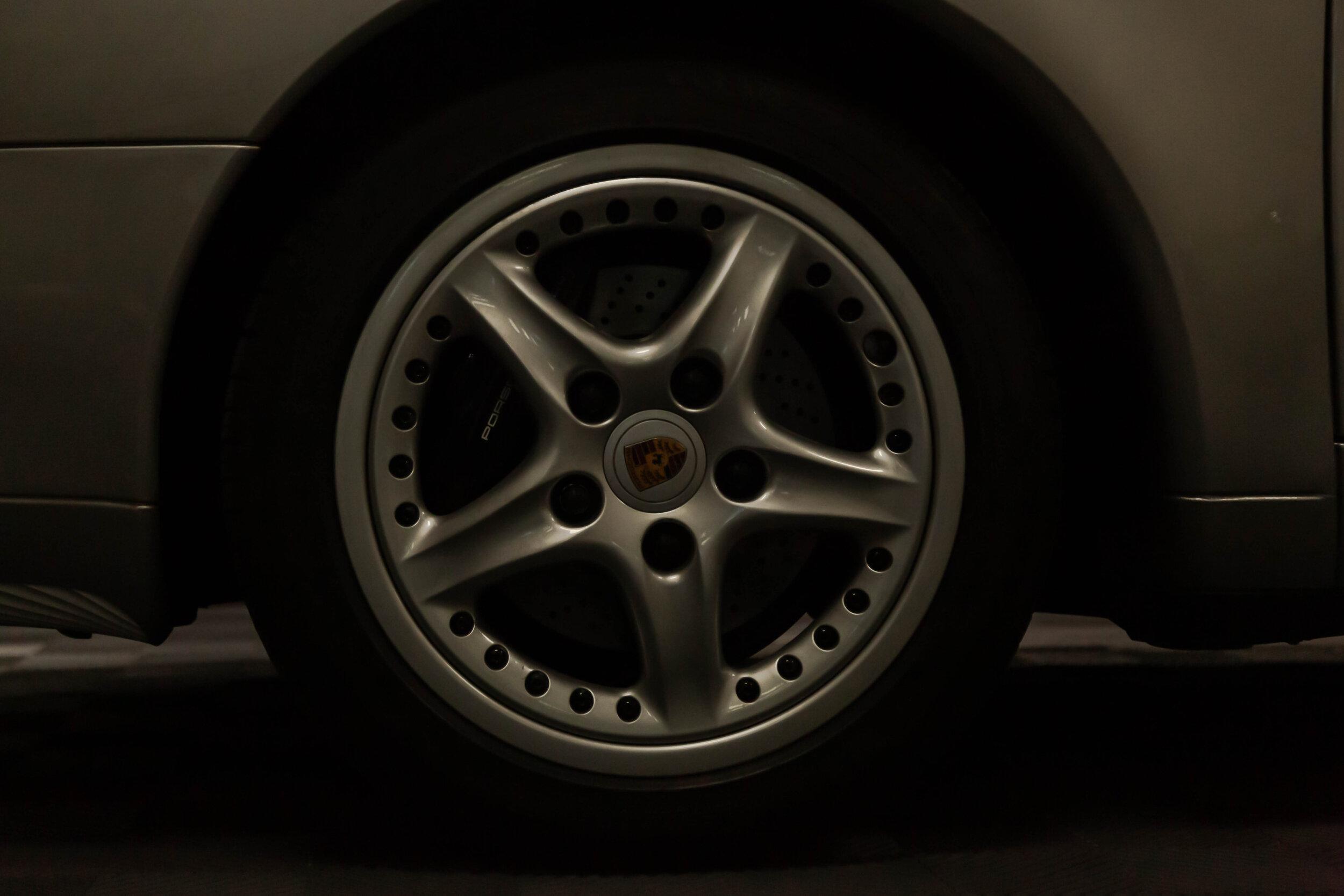 porsche 911 targa 1998.jpg