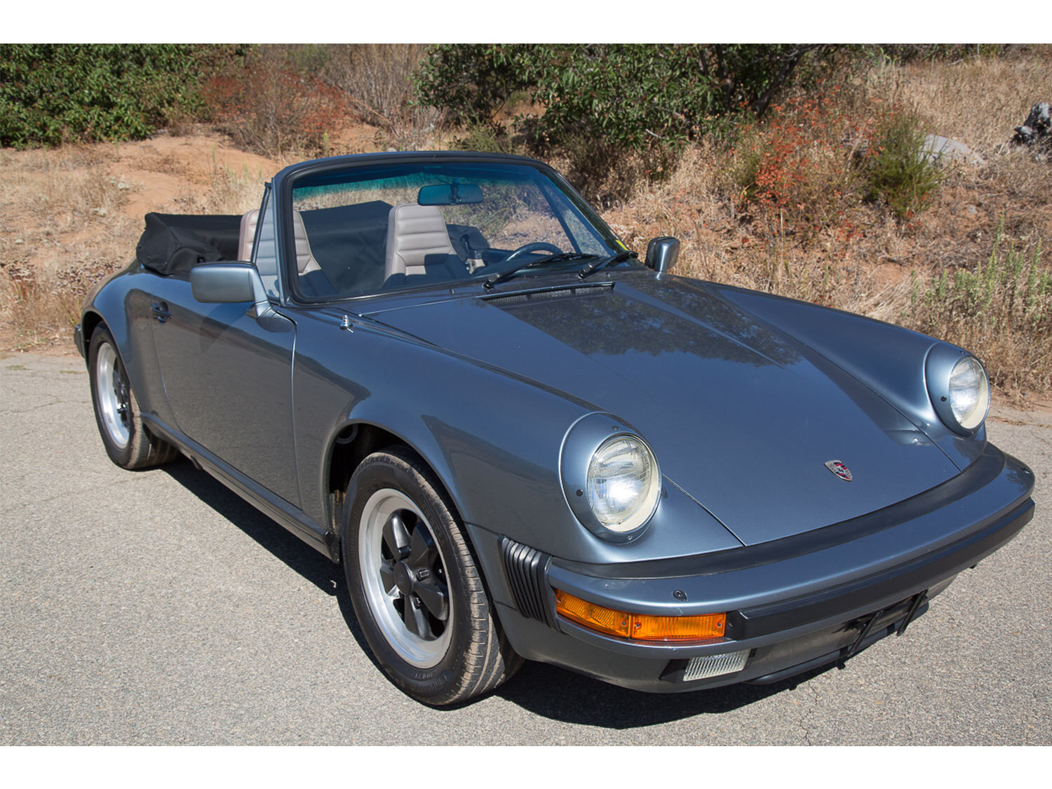 1984-carrera-cabriolet-slate-blue-911-sc-for-sale-makellos-classics_0001s_0000s_0000_1B7A6650.jpg