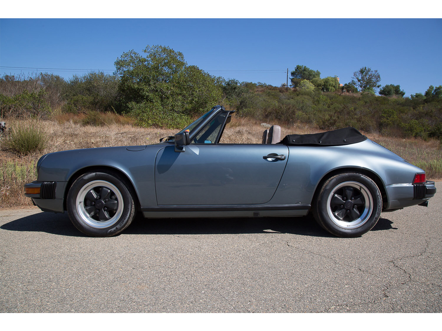 1984-carrera-cabriolet-slate-blue-911-sc-for-sale-makellos-classics_0001s_0000s_0012_1B7A6633.jpg