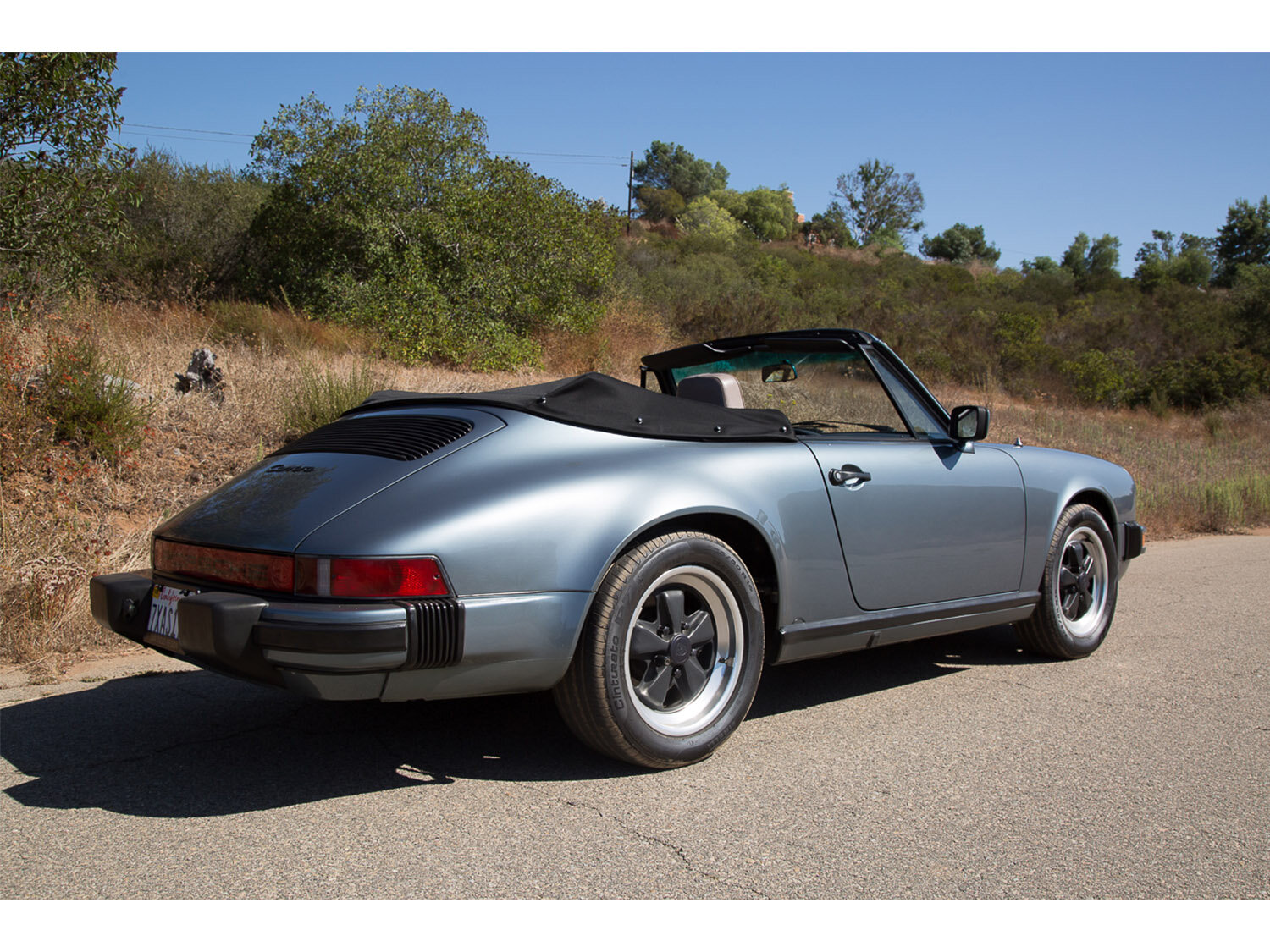 1984-carrera-cabriolet-slate-blue-911-sc-for-sale-makellos-classics_0001s_0000s_0028_1B7A6609.jpg