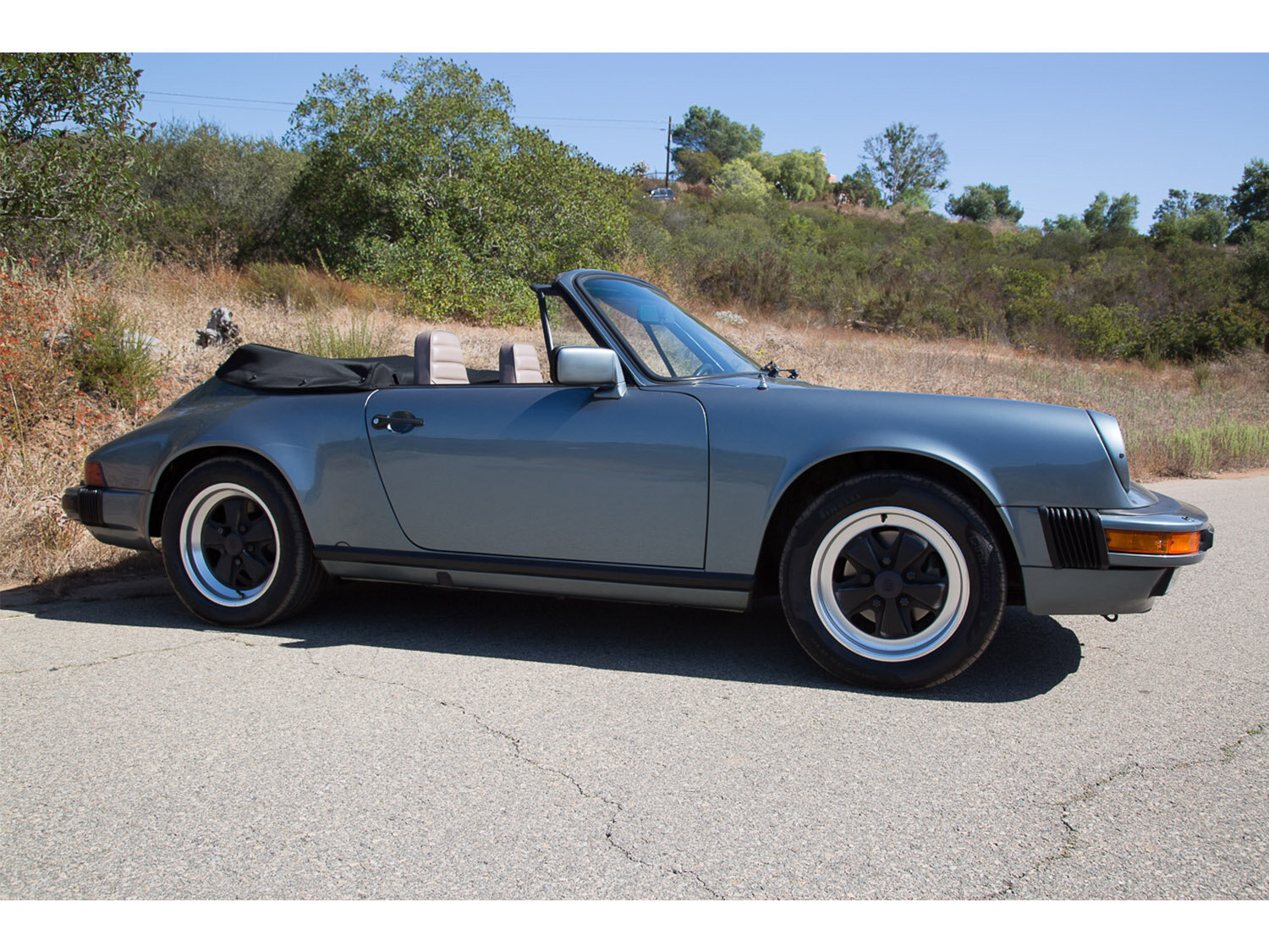 1984-carrera-cabriolet-slate-blue-911-sc-for-sale-makellos-classics_0001s_0000s_0030_1B7A6603.jpg