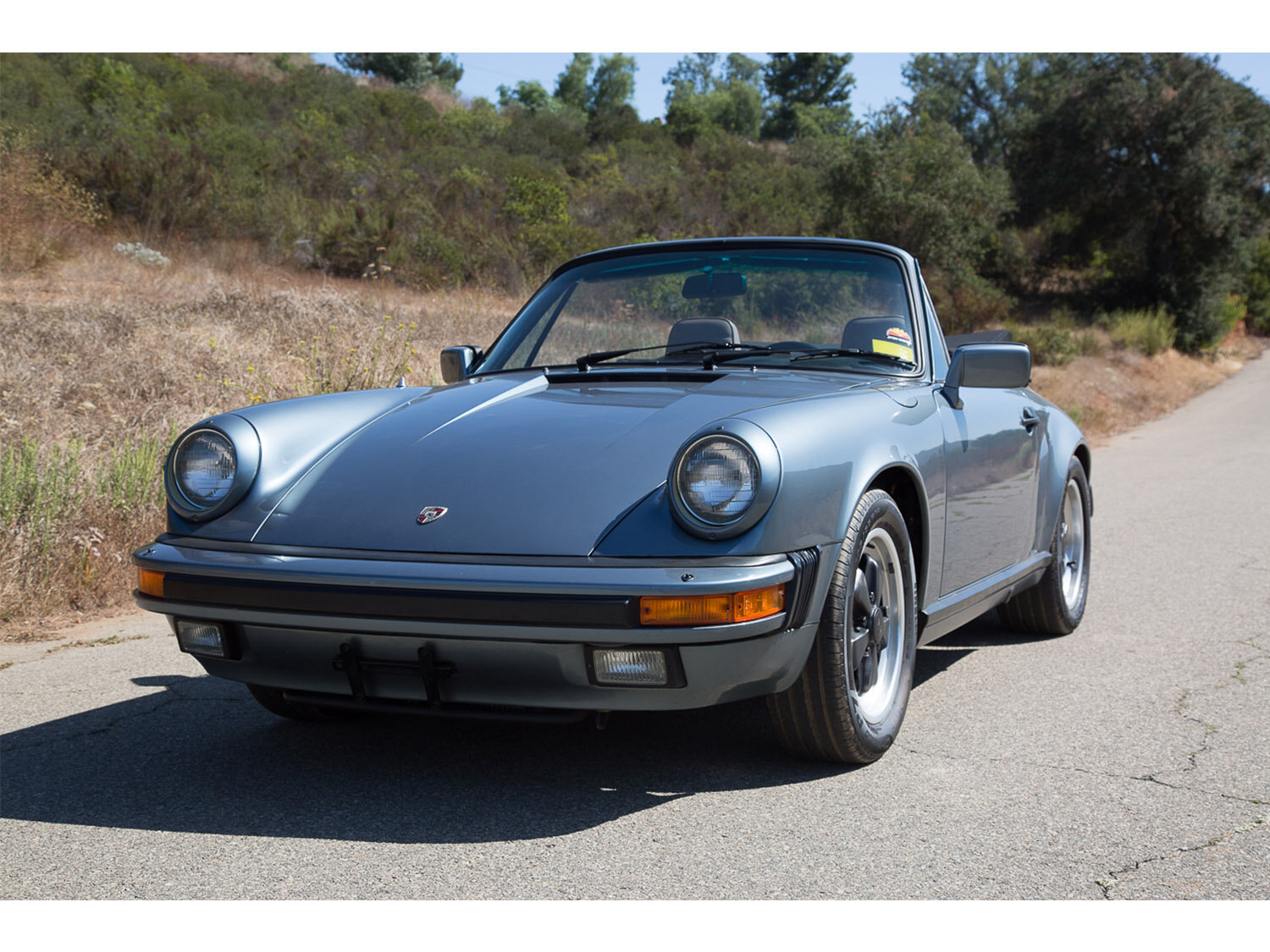 1984-carrera-cabriolet-slate-blue-911-sc-for-sale-makellos-classics_0001s_0000s_0039_1B7A6584.jpg