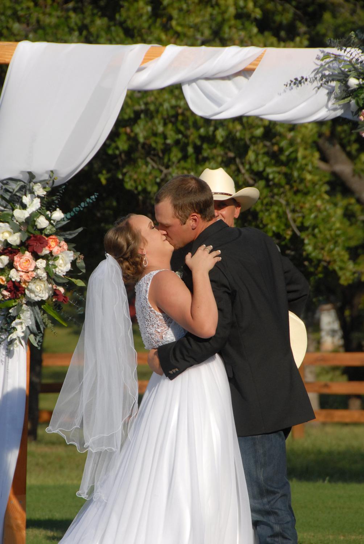 CDL | Wedding | April Stamper | Barn | Web-14.jpg