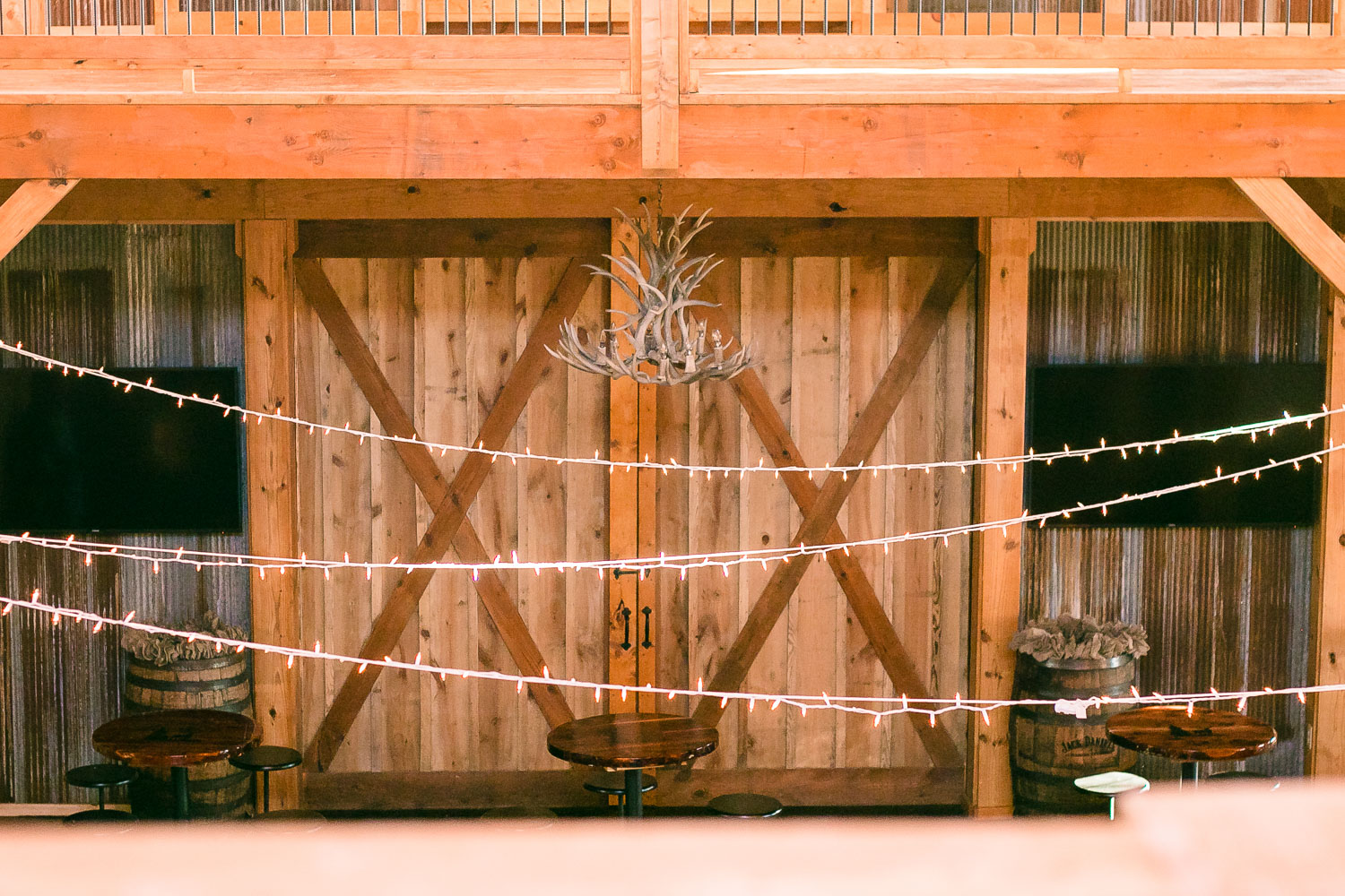 CDL | Wedding | April Stamper | Barn | Web-24.jpg