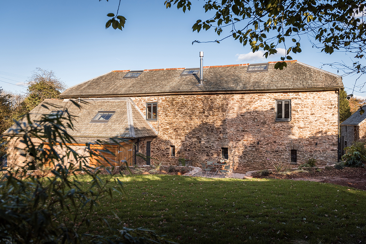 willows-rest-barn-luxury-holiday-accommodation-swimming-pool-south-hams.png
