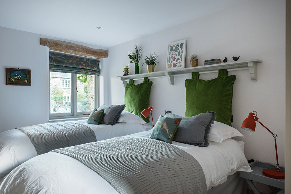 willows-rest-boutique-twin-bedroom-family-friendly-holiday-home-totnes.png