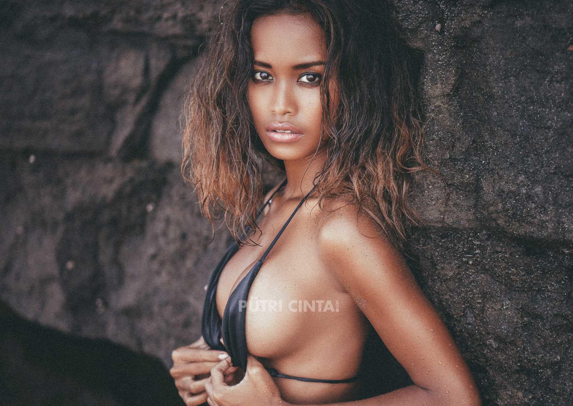 PutriCinta.com-002-Black-Sand-Black-Heart15.jpg
