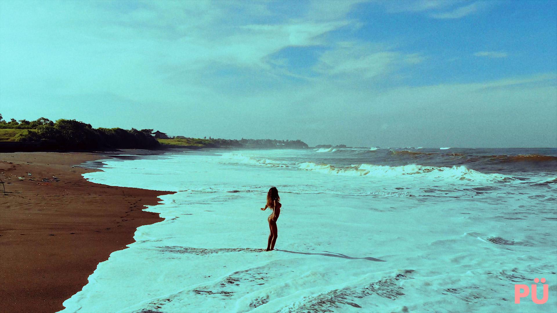 018-Black-Oilie-Sand.00_04_34_31.Still048.jpg