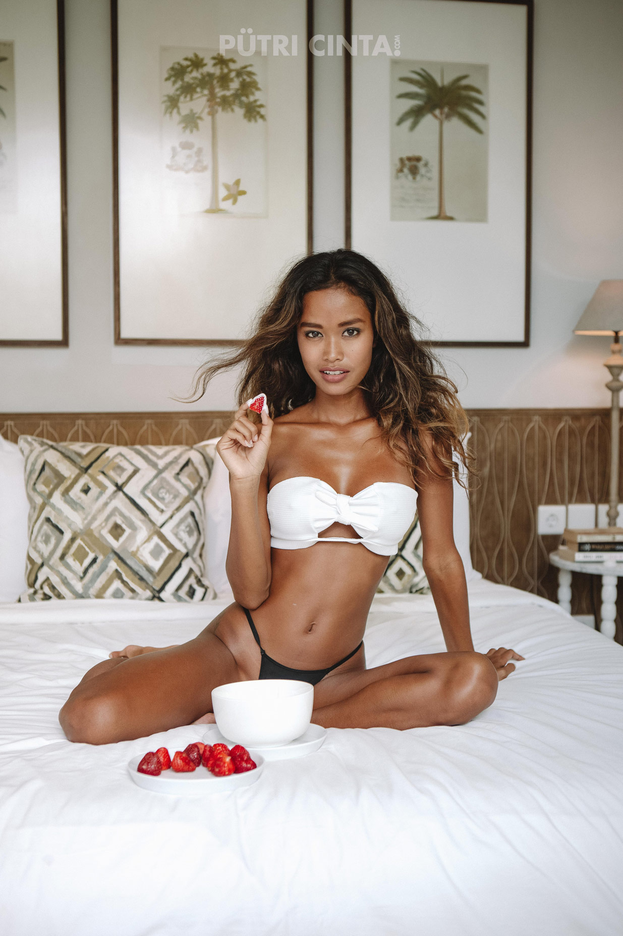 018-Strawberries-in-bed-forwebsite-10.jpg
