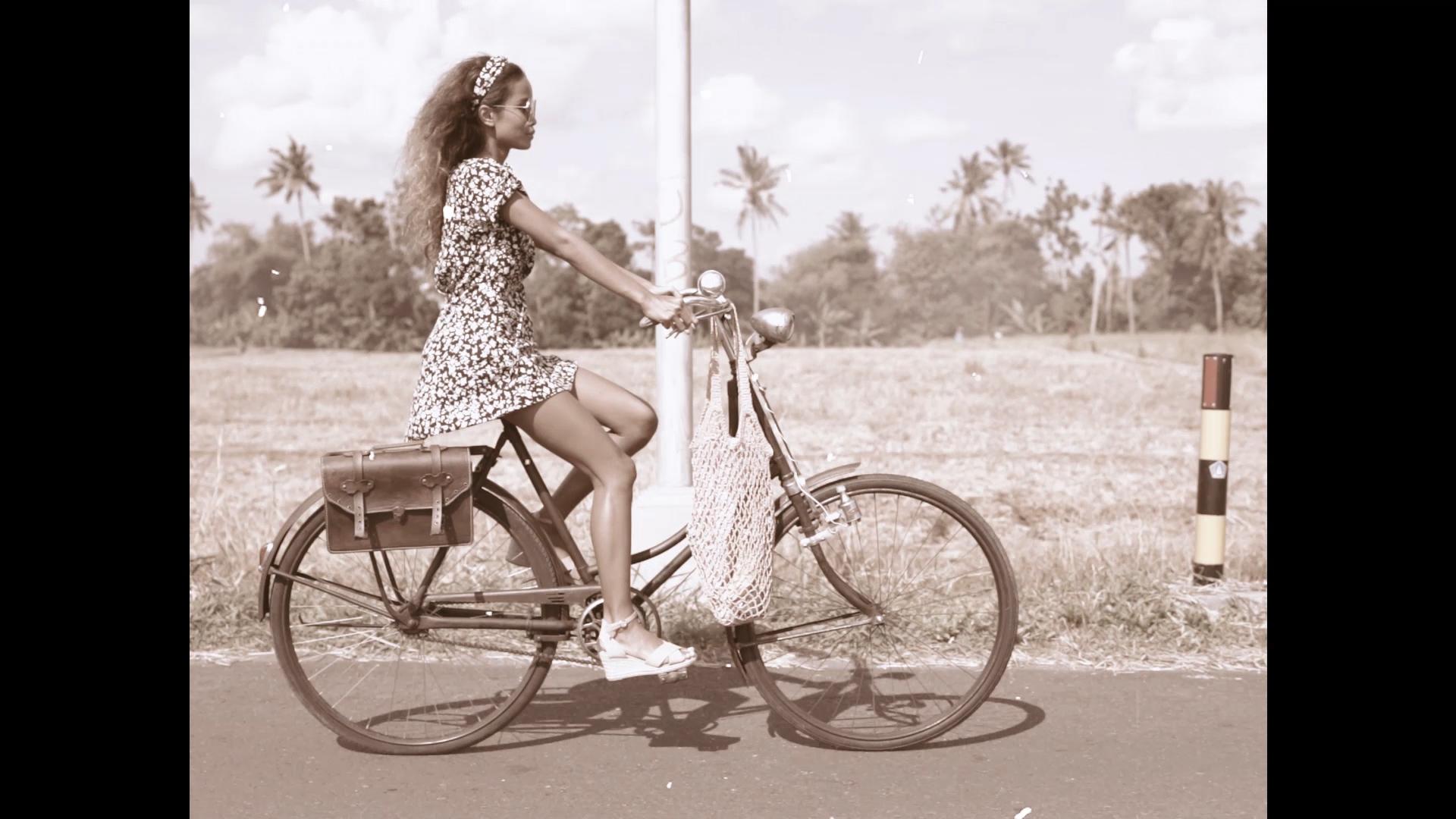024-cyclingcommando-Putri-Cinta-teaser-stills-6.jpg