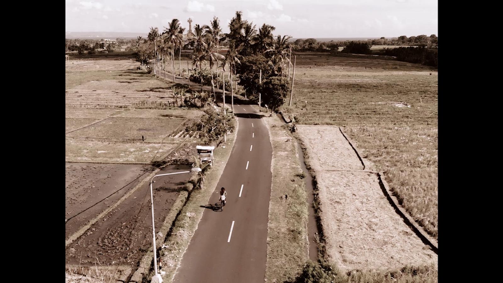 024-cyclingcommando-Putri-Cinta-Mainvid-stills-2.jpg