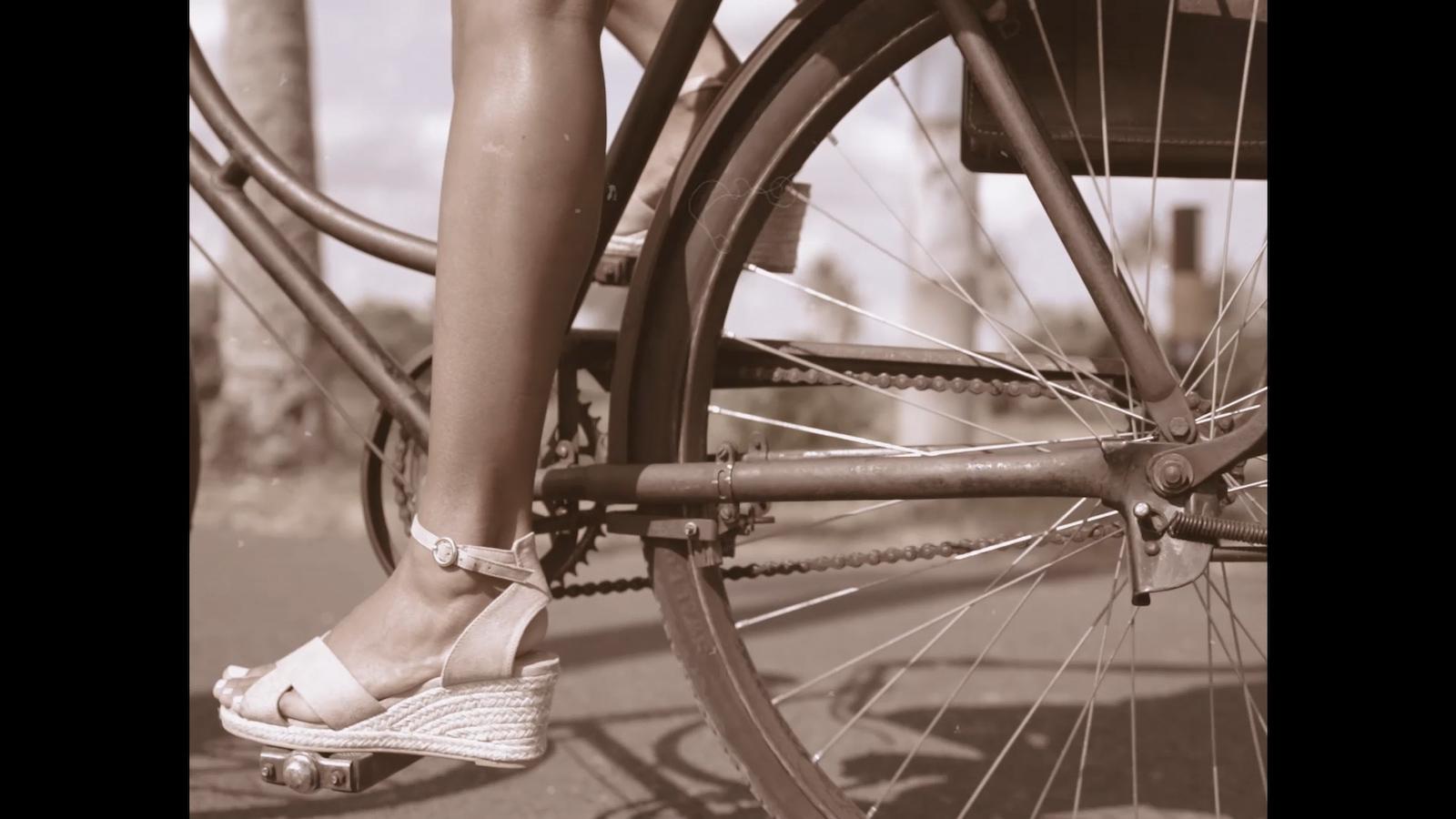 024-cyclingcommando-Putri-Cinta-Mainvid-stills-4.jpg