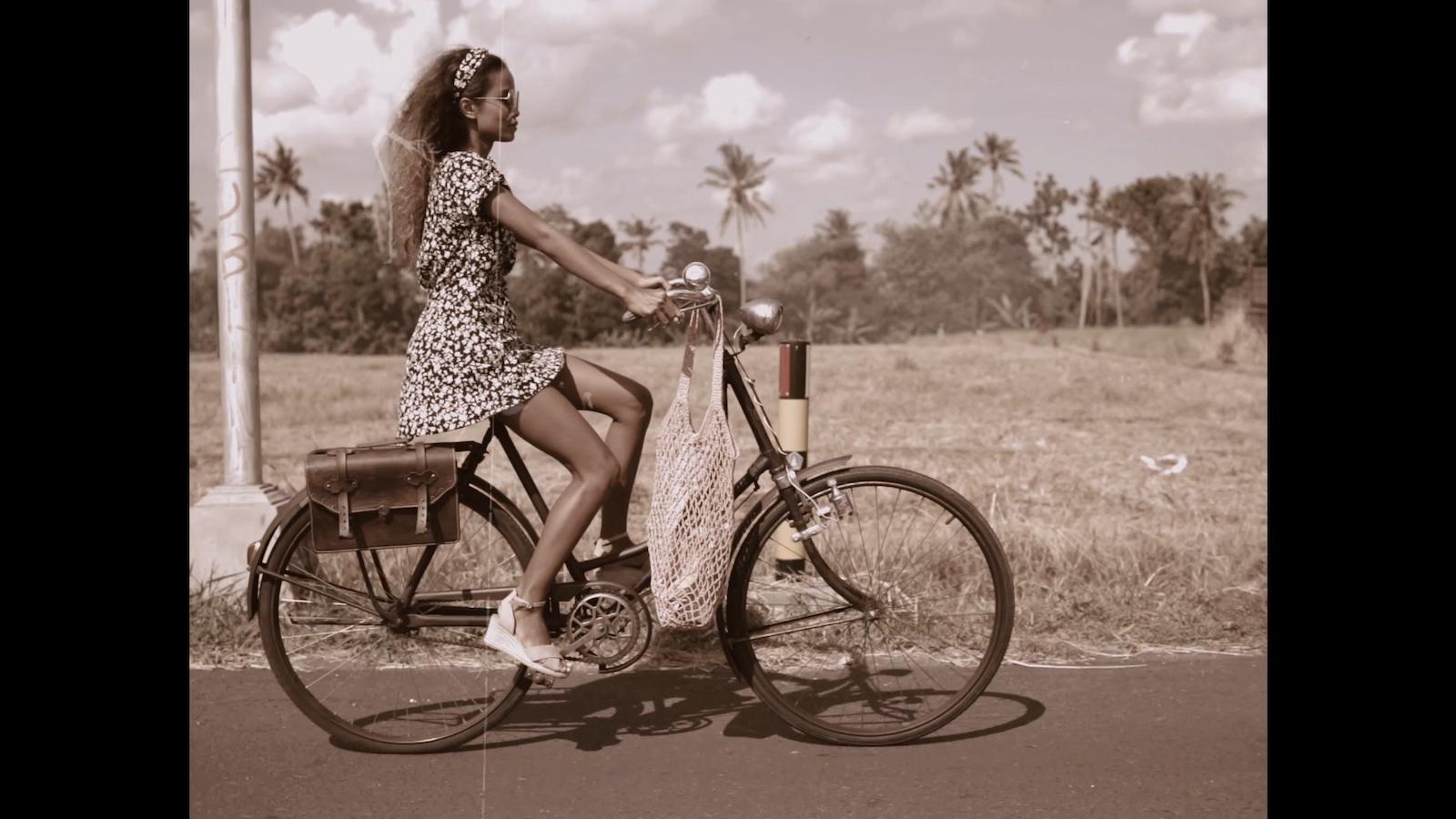 024-cyclingcommando-Putri-Cinta-Mainvid-stills-7.jpg