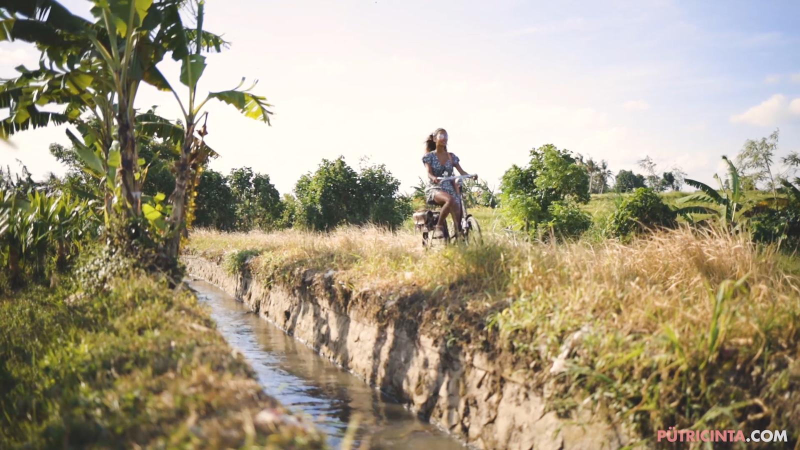 024-cyclingcommando-Putri-Cinta-Mainvid-stills-10.jpg