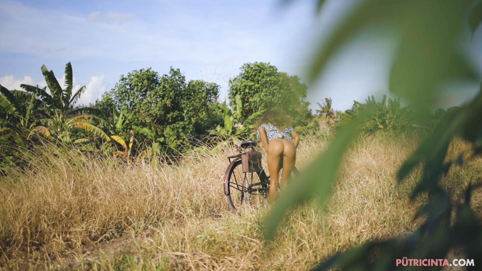 024-cyclingcommando-Putri-Cinta-Mainvid-stills-15.jpg