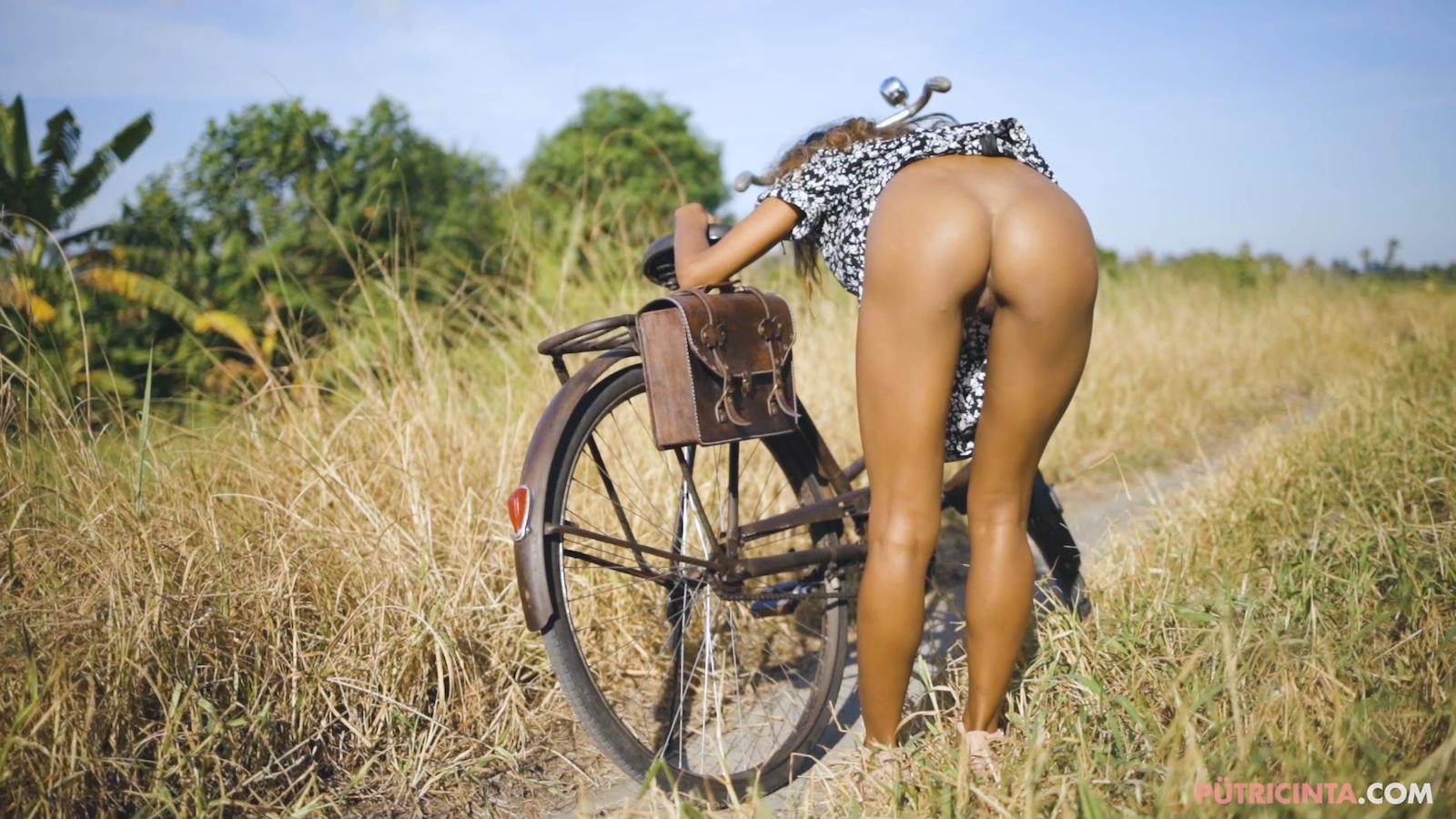 024-cyclingcommando-Putri-Cinta-Mainvid-stills-16.jpg