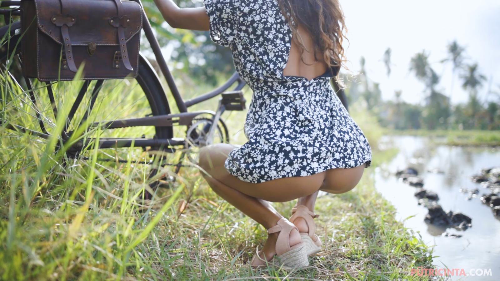 024-cyclingcommando-Putri-Cinta-Mainvid-stills-31.jpg