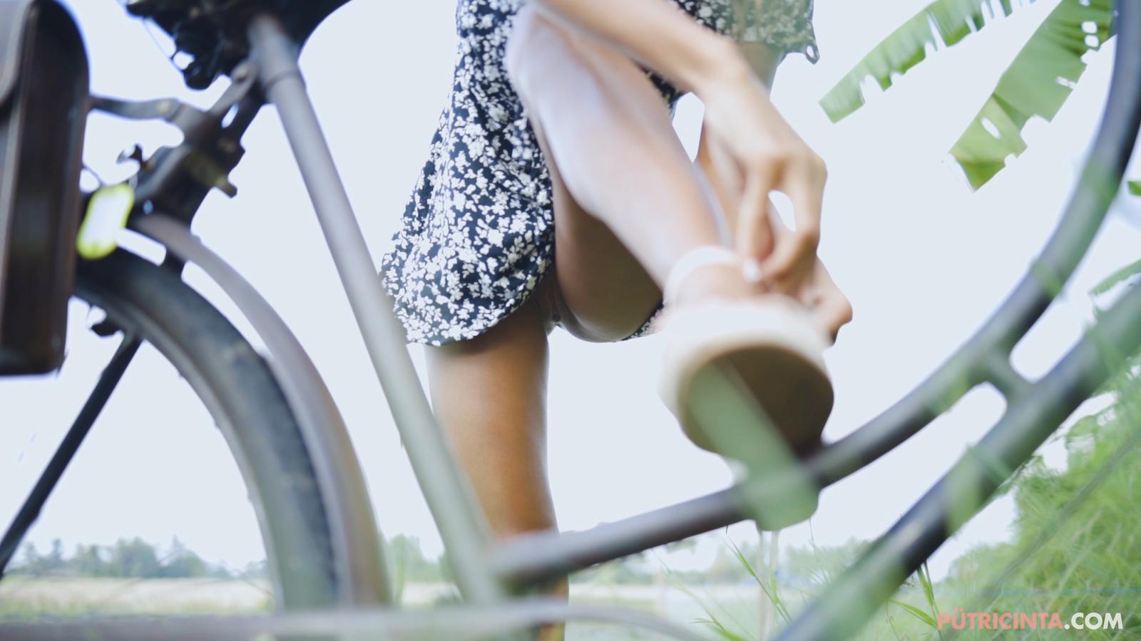 024-cyclingcommando-Putri-Cinta-Mainvid-stills-33.jpg