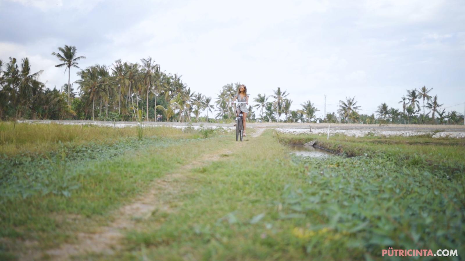 024-cyclingcommando-Putri-Cinta-Mainvid-stills-39.jpg