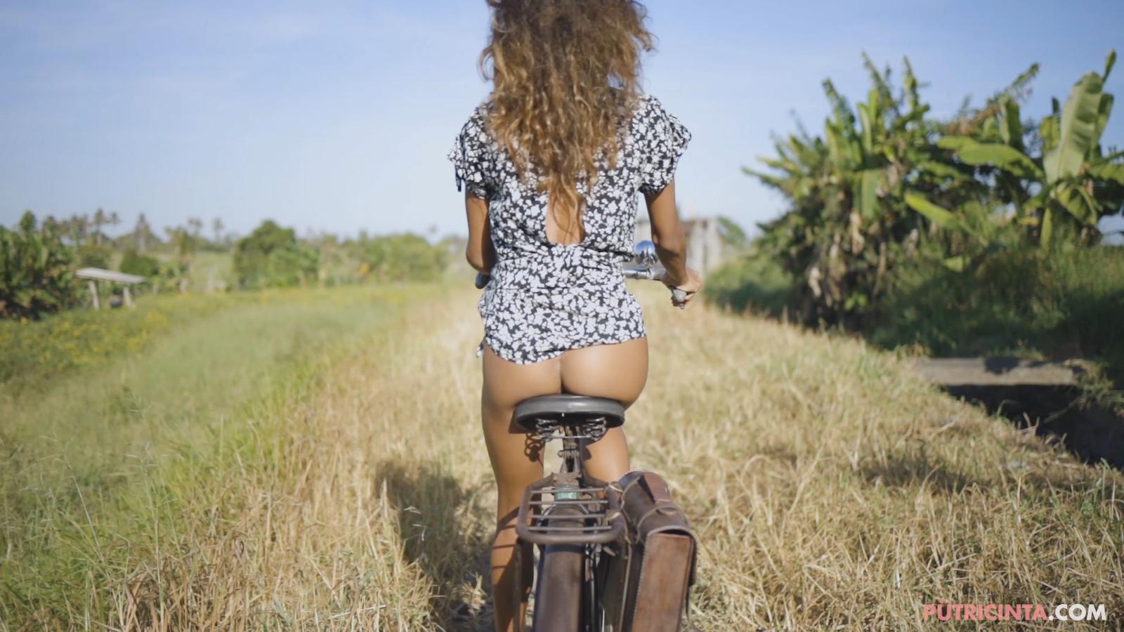 024-cyclingcommando-Putri-Cinta-Mainvid-stills-58.jpg