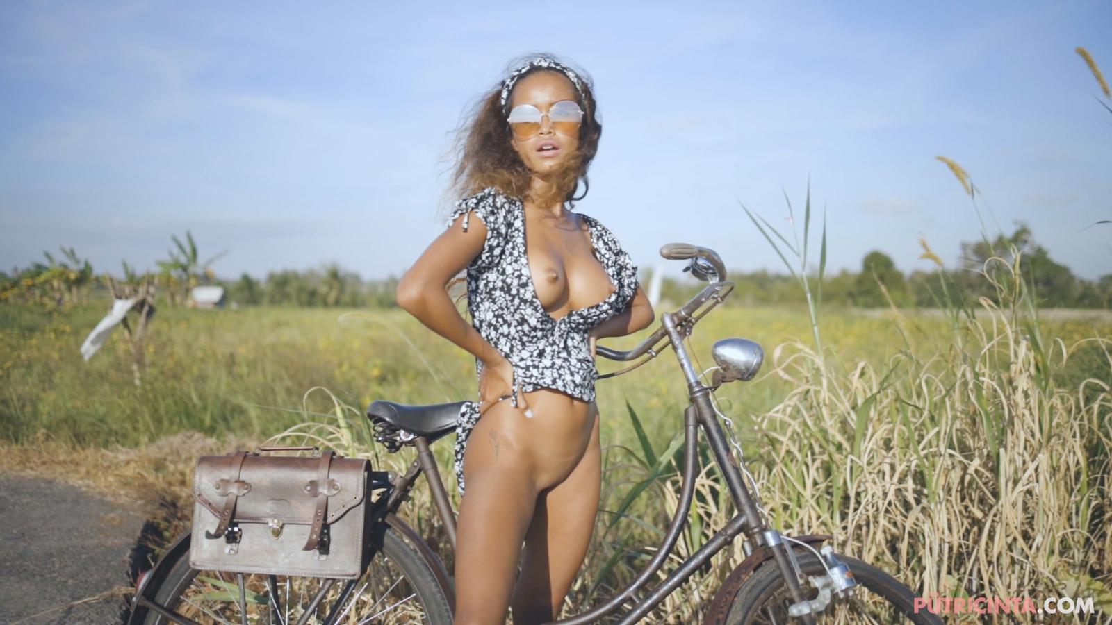 024-cyclingcommando-Putri-Cinta-Mainvid-stills-69.jpg