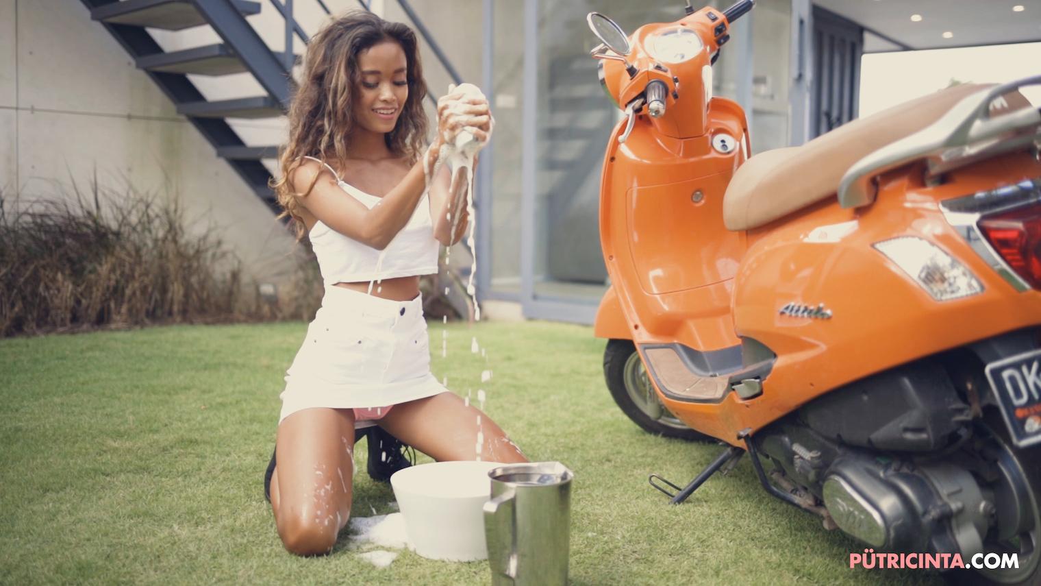 025-BikeWash-Putri-Cinta-Teaser-Stills-11.jpg