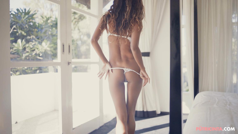 026-Putri-Cinta-bedroombedlam-MainVid-Stills-41.jpg