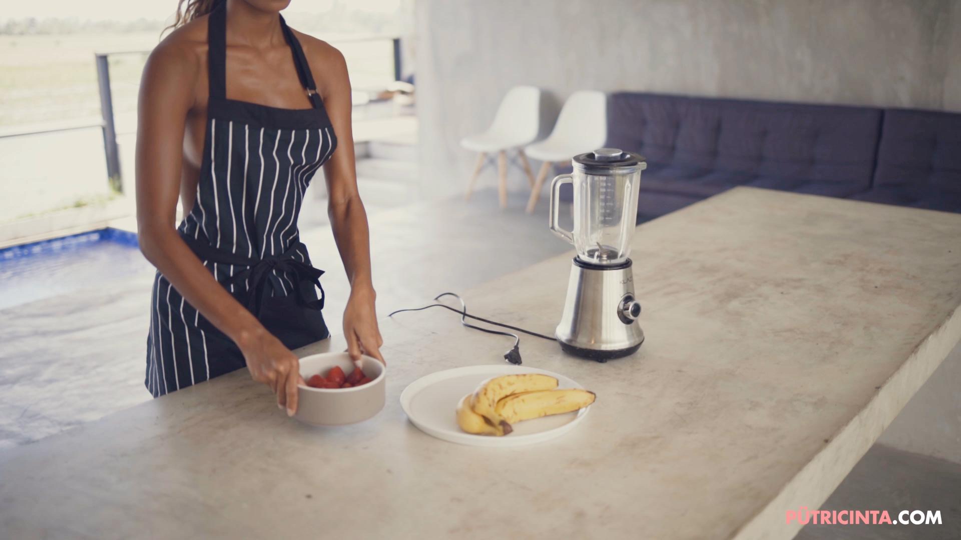 028-Putri-Cinta-Cooking-Class-mainvid-stills-3.jpg