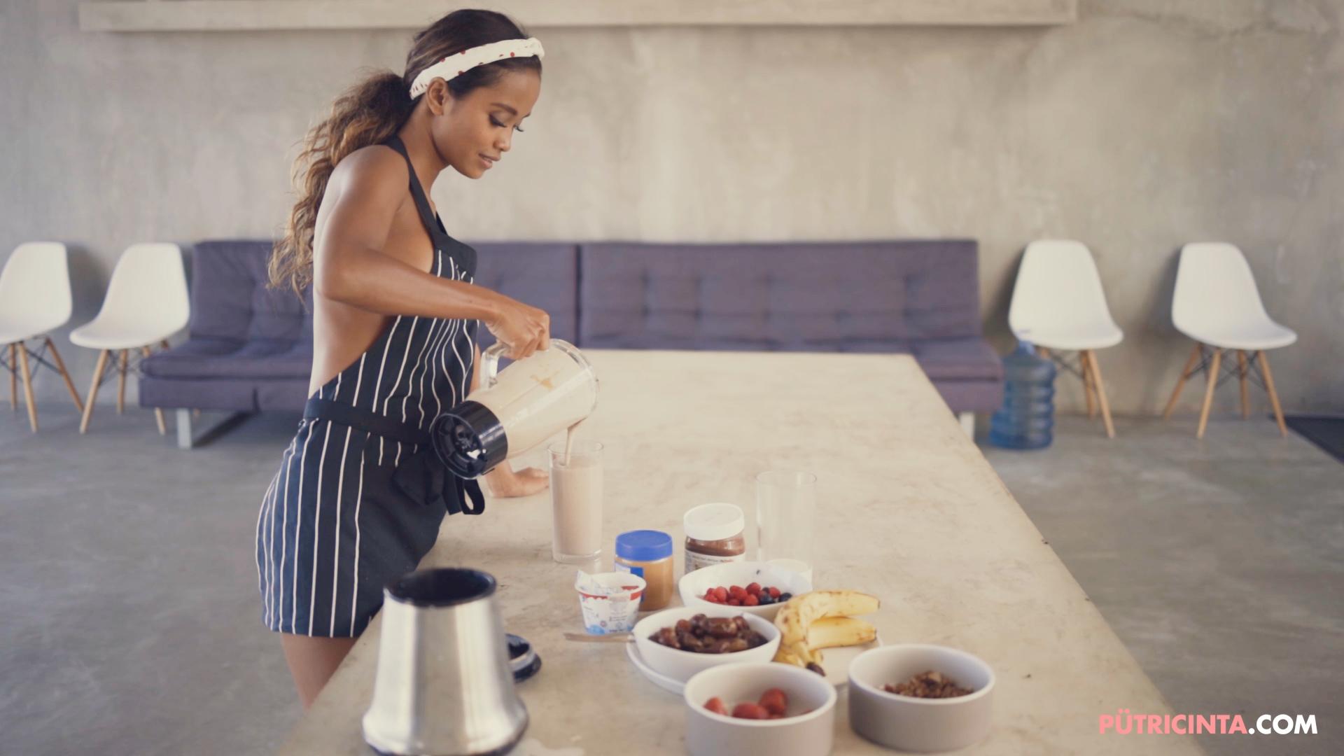 028-Putri-Cinta-Cooking-Class-mainvid-stills-34.jpg