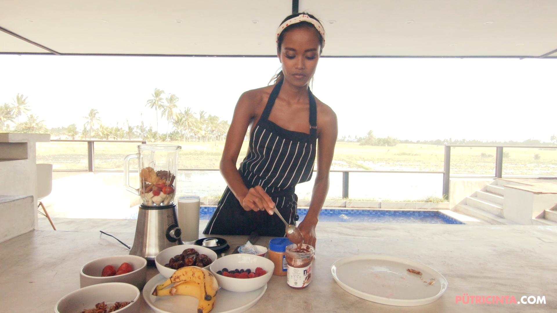 028-Putri-Cinta-Cooking-Class-bts-stills-19.jpg