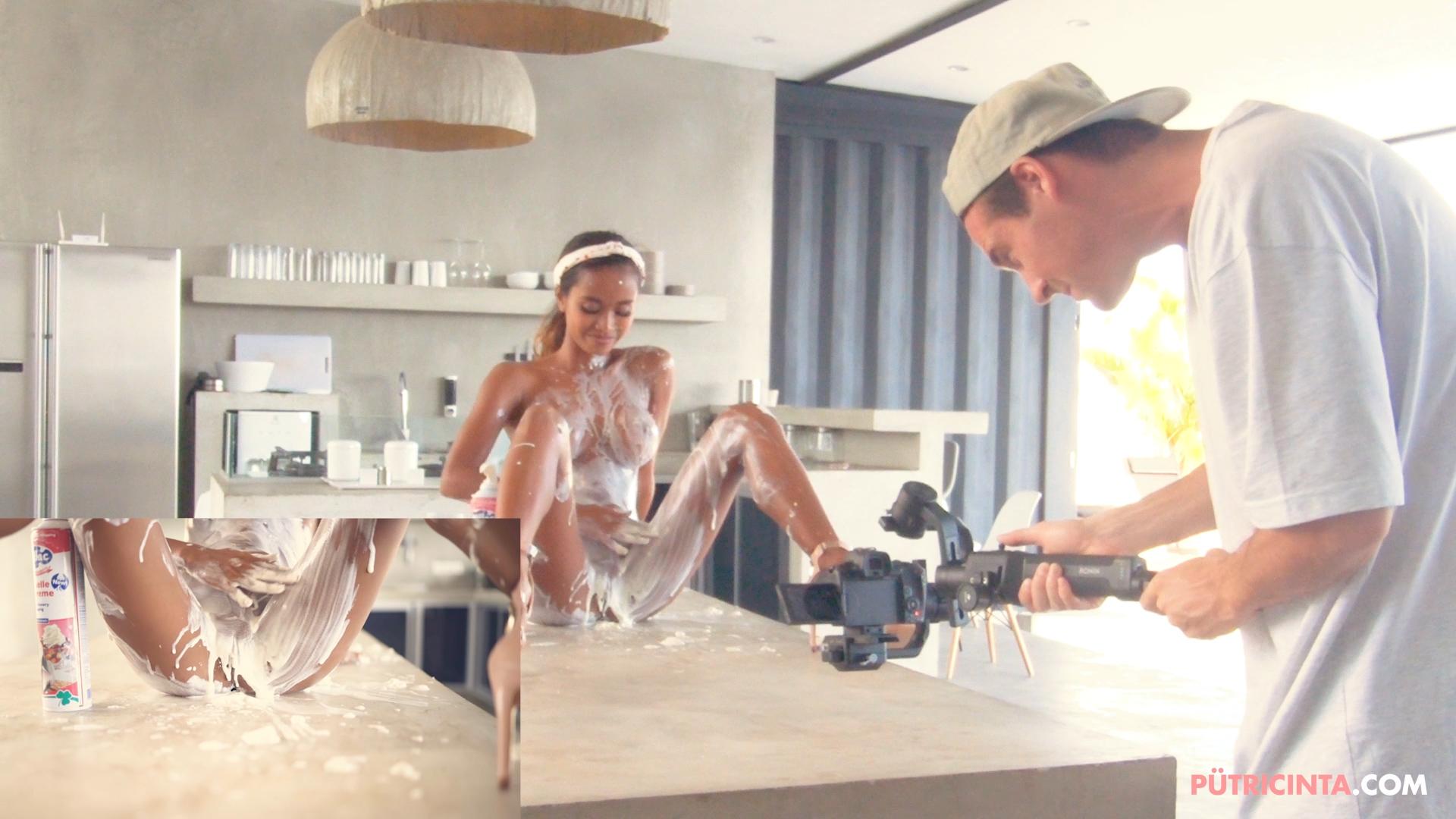 028-Putri-Cinta-Cooking-Class-bts-stills-24.jpg