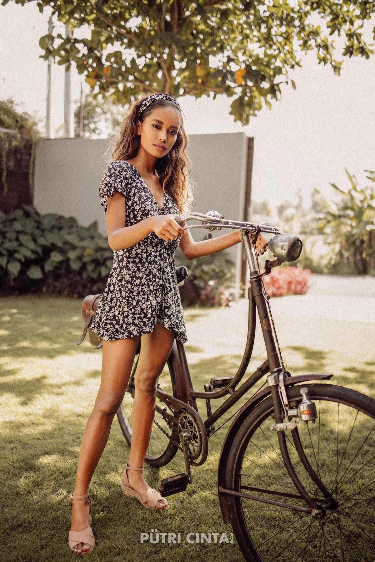 024-Putri-Cinta-Cycling-Commando-photoset-12.jpg